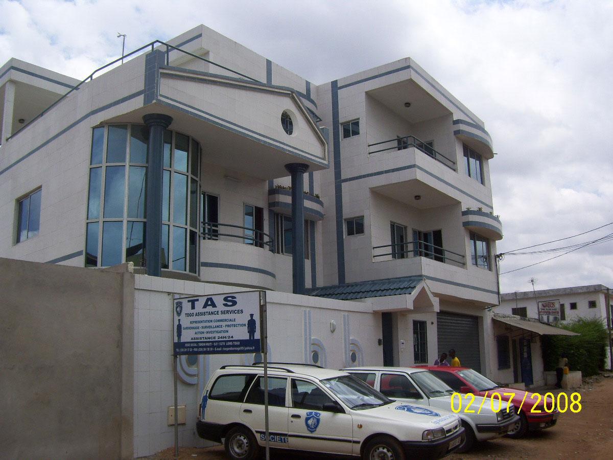Construction d'un immeuble de bureaux et d'appartements à Lomé